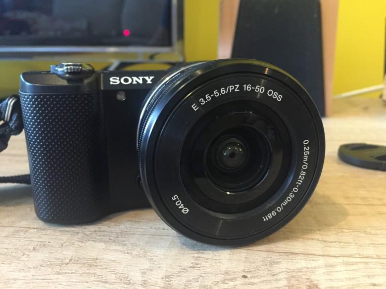 Alternativa la DSLR – mirrorless și prezentare Sony A5000